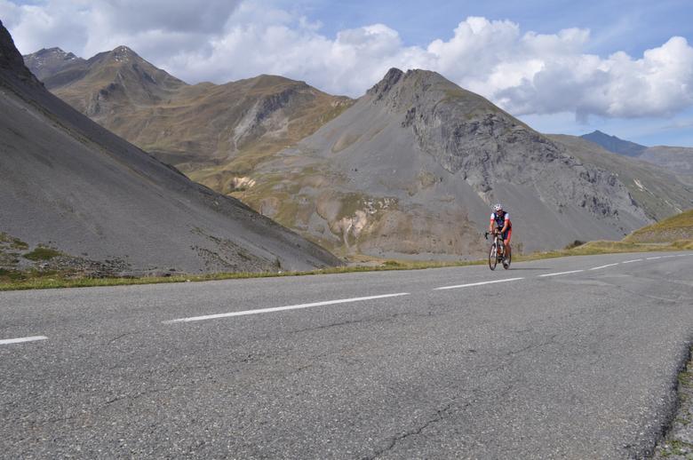 eenzame-wielrenner-in-de-bergen.jpg - eenzame-wielrenner-in-de-bergen.jpg