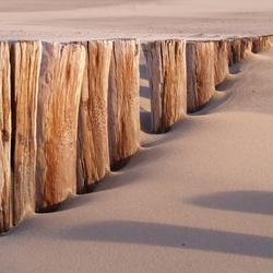Paaltjes op het strand