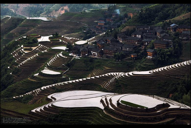 Dragon Backbone - Lóngshèng Tītián, Guangxi province, China.<br />