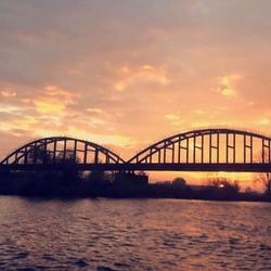 zonsopkomst brug