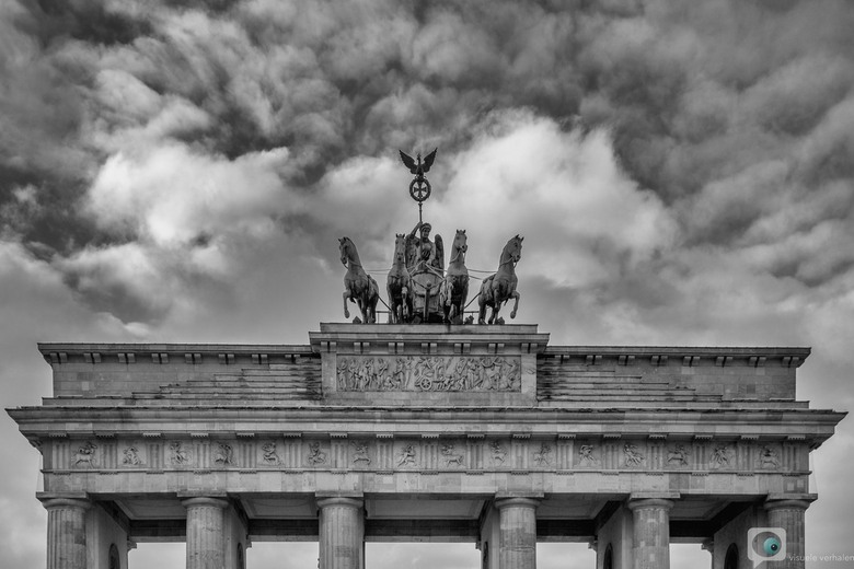 Brandenburger - De afgelopen week heb ik door Berlijn gedwaald. Een stadse stad met een dorps karakter. Ik ontkwam natuurlijk niet aan de grote toeris