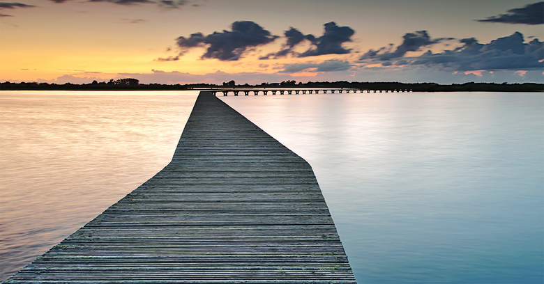 """Gehoekt gescheiden - Schakel even van brug naar loopbrug <img  src=""""/images/smileys/smile.png""""/><br /> Heb hier 2 grijsverloop filters gebruikt en fl"""