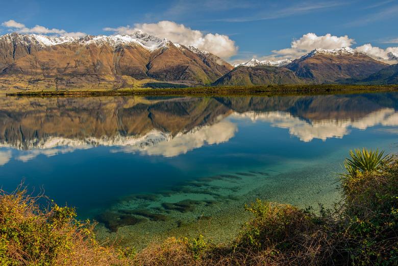 Lake Wakatipu - Vlak bij Queenstown , Nieuw-Zeeland heb je prachtige meren en bergen.