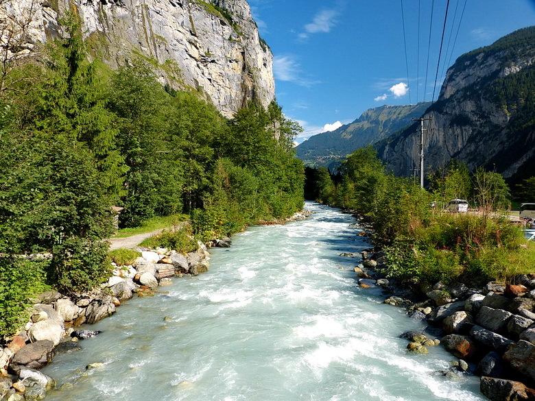 Zwitserland. - Bergbeek Weisse Lutschine bij Stechelberg Zwitserland.<br /> <br /> 7 september 2014.<br /> Groetjes, Bob.