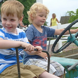 Lukas en neef Emanuel