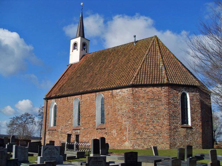 NH Kerk in Lettelbert (Gr.) - De kerk is in het begin van de dertiende eeuw gebouwd. In het begin van de zestiende eeuw is de koorsluiting met gebruik
