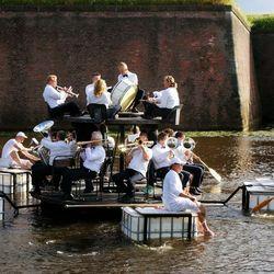 Orkest op het water