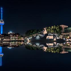 parkkade Rotterdam bij nacht