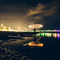 Light painting at the pier
