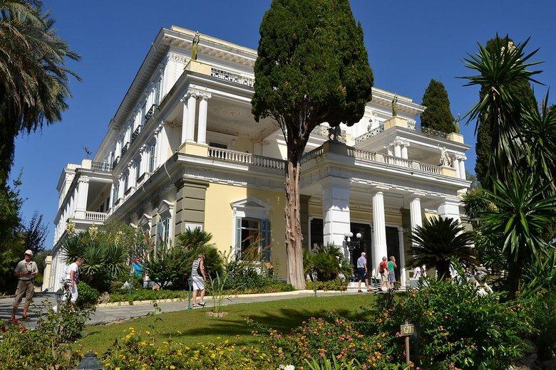 Paleis Sissi - Dit was het paleis van Sissi en staat in een klein plaatsje onder Corfu.<br /> Alvast bedankt voor jullie reactie&#039;s.<br /> <br /