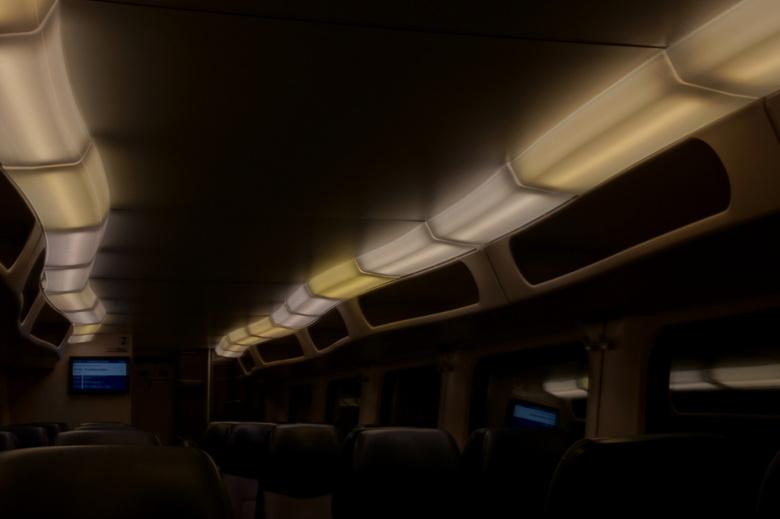 In de trein - Deze (soort) trein vind ik de mooiste van de NS en heb er daarom een foto van gemaakt.
