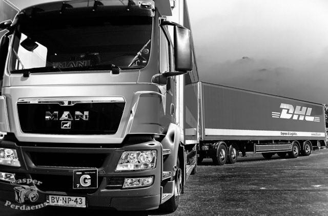 L(angere) Z(waardere) V(rachtwagencombinatie) - Dit is 1 van de 2 LZV&#039;s of ecocombi&#039;s van Dhl Express Roosendaal.<br /> <br /> Deze foto i