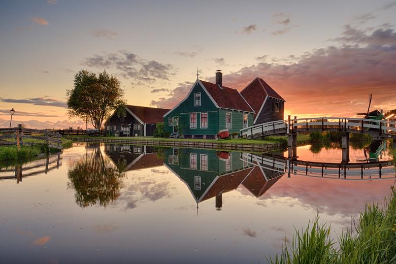 Zaanse Schans - Kaasboerderij Zaanse schans bij zonsopkomst