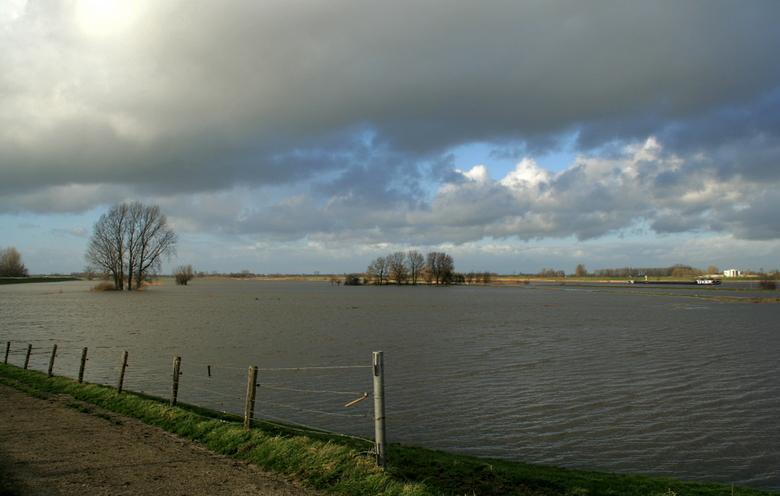 Langs de IJssel - Langs de IJssel tussen Zwolle en Kampen.