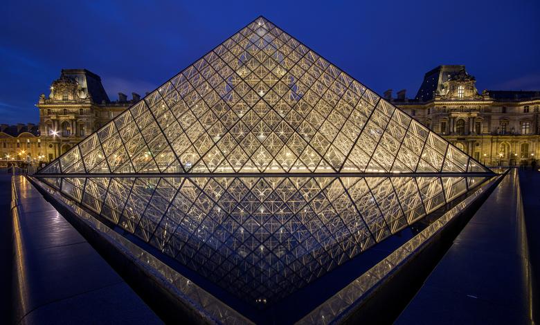 Parijs - Louvre - Pyramide du Louvre - 01 - Parijs - Louvre - Pyramide du Louvre - 01