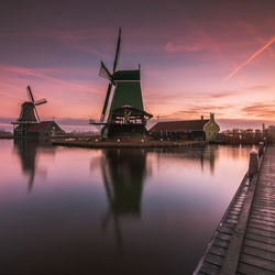 Cold sunrise in Zaanse Schans