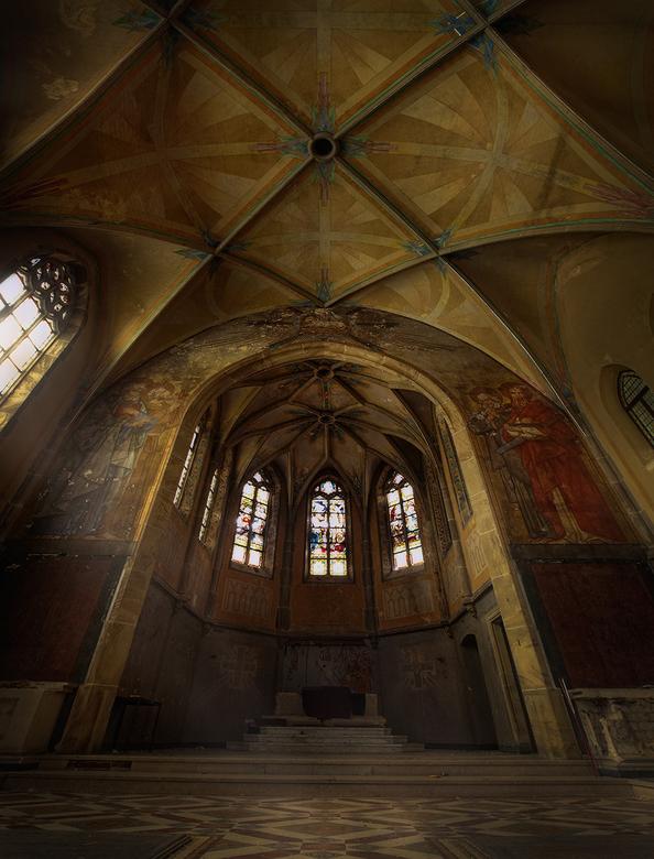 St Jozefsheim - St Jozefsheim heeft een verschrikkelijke achtergrond, soft versie, het was oorspronkelijk een klooster waar een groot aantal gehandica