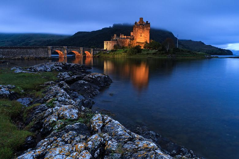 Kasteel van Eilean Donan, Schotland - Tijdens het blauwe uurtje!