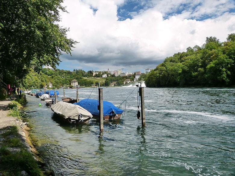 Waterval Rijn Zwitserland.Rivier De Rijn Bij Schaffhausen Landschap Foto Van