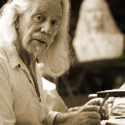 een bijzonder man die samen leeft met zijn kunst