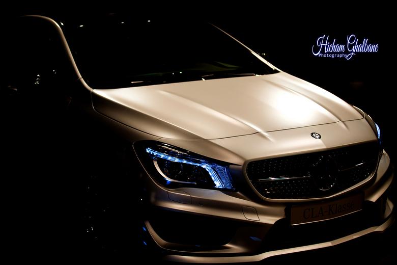 Mercedes Benz CLA -