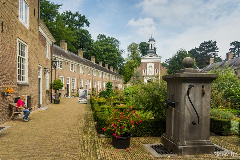 Begijnhof Breda  - Een paar weken geleden een dagje in Breda rondgelopen. Ook een prachtige stad voor fotografie. <br /> Hartelijk dank voor de react