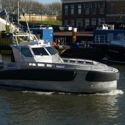 P1370492 Maassluis buitenhaven  TEST vaart nieuw schip 25jan2016