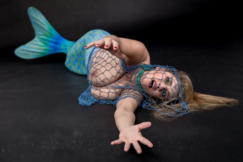 mermaid in trouble - Katerina Hartlova