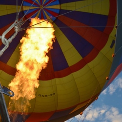 luchtballon met vlam