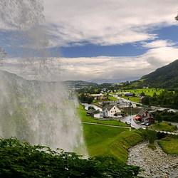 Steinsdalsfossen waterval.