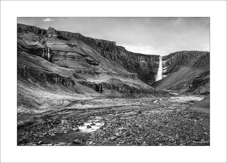 The World Below XXXIII - Hengifoss, IJsland - 2018.