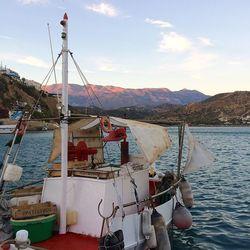 Visserbootje in de haven van Kreta