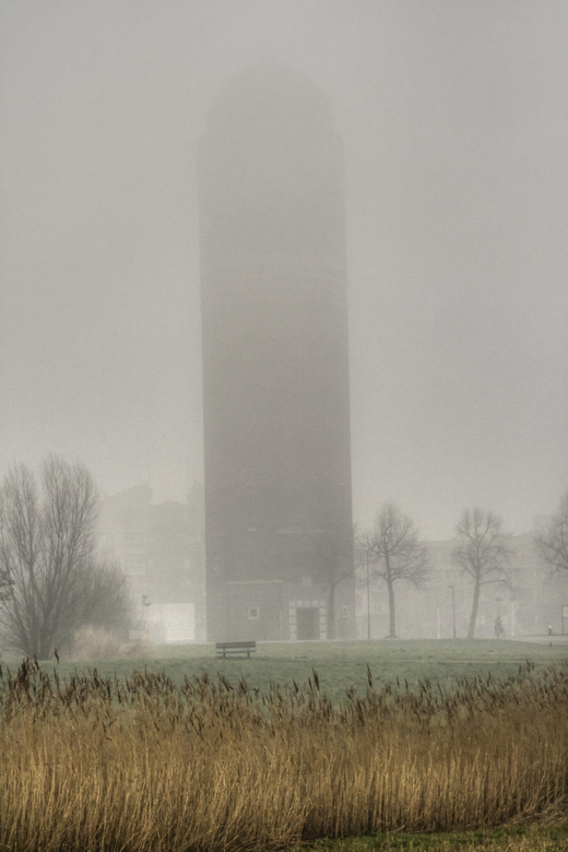 Watertoren De 10 Gemeenten, Zoetermeer - Watertoren De 10 Gemeenten in Zoetermeer. Bewerkt met tonemapping, geen HDR.