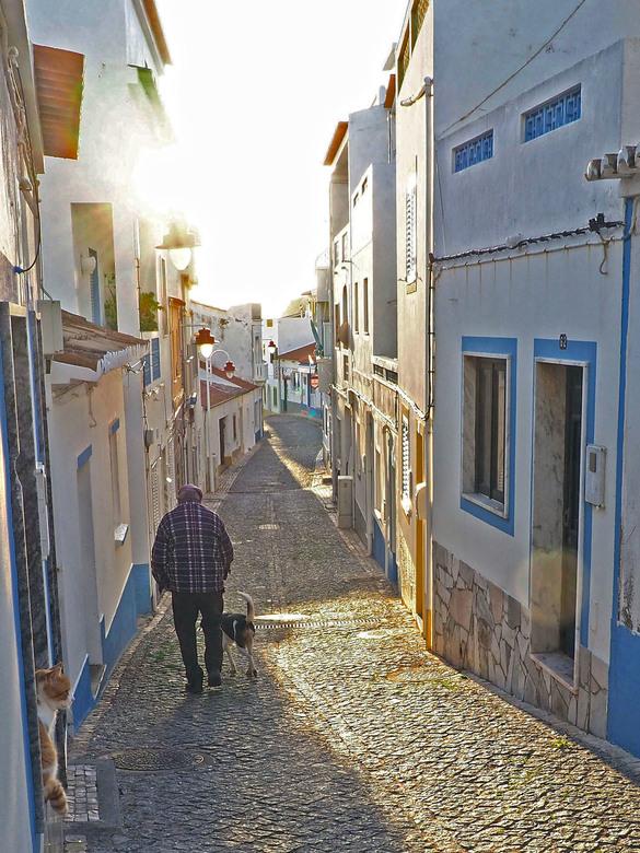 zonnig straatje