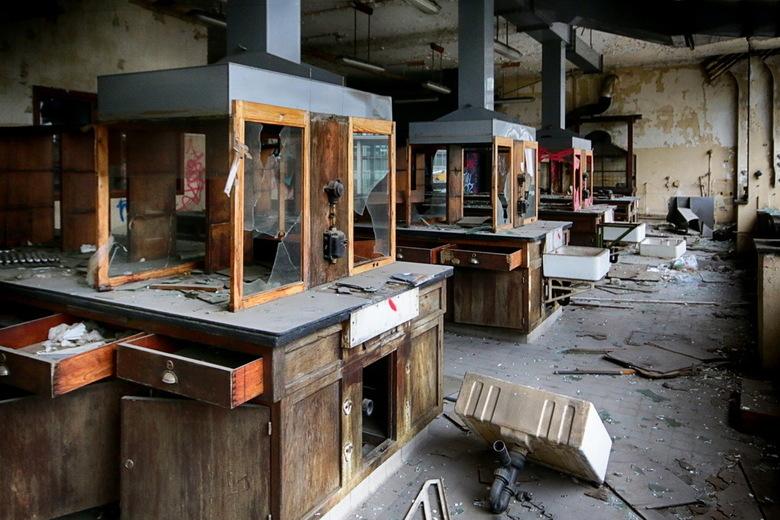 université du val benoit 04 - Van de voormalige Universiteit Val Benoit bij Luik is dit het Institut de Chimie et Métallurgie. Het is in de jaren 30 v