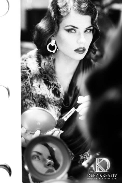 No shades of grey - Model: Tamara van Meeteren<br /> Make-up/hair: Hugo Portier