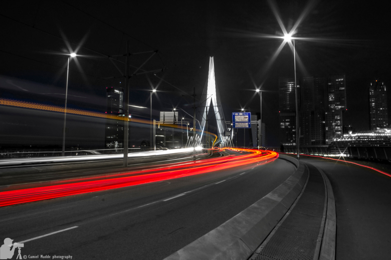 The Erasmus bridge at night