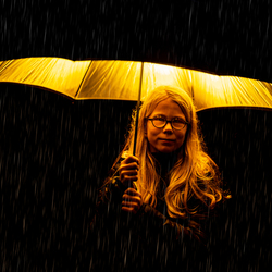 Gaby_in_the_rain