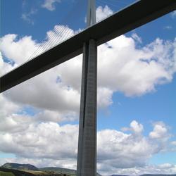 Viaduct van Millau onderzijde