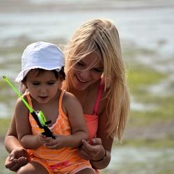 Kinderen aan het krabvissen