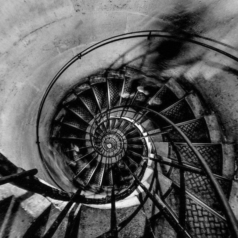Stairs of Paris - Trap Arc de Triomphe