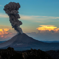 vulcano eruption_sumatra