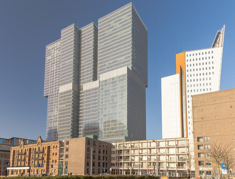 Oude en moderne Architectuur, Kop van Zuid, Rotterdam - Oude en moderne Architectuur<br /> <br /> ISO 100, 24 mm, F/8.0 1/200 sec