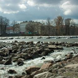 Water uit het stuwmeer bij Nysa (Polen)