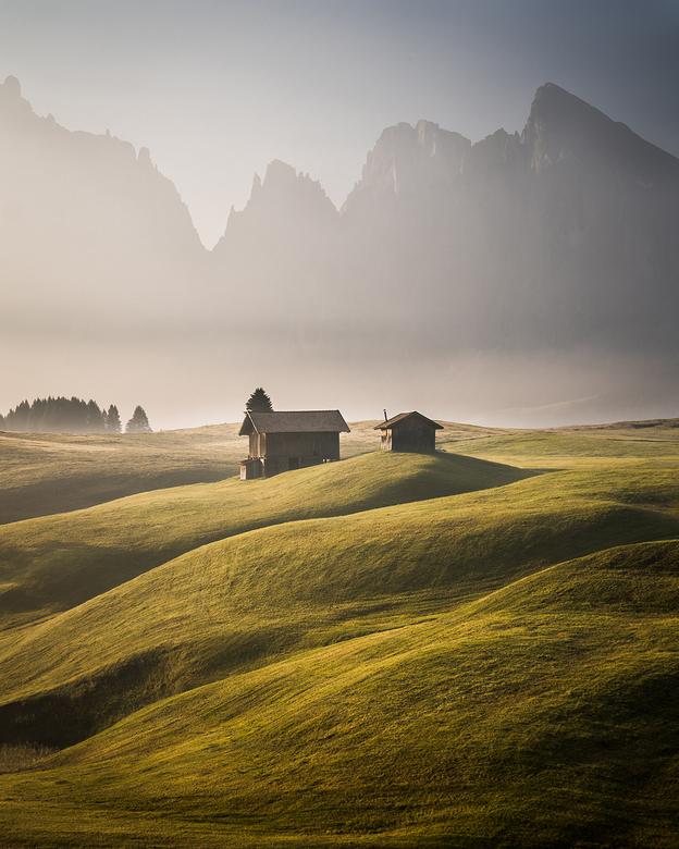 Brothers - Misschien wel één van de mooiste landschappen waar ik geweest ben. De Seiser Alm in de Dolomieten, Italië. Om 5 uur stond de wekker om de p
