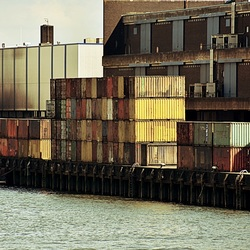 DSC_6660.jpg  containers