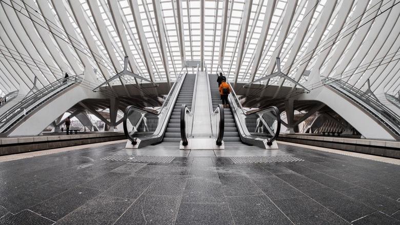 Going up - Straatfotografie op Luik-Guillemins