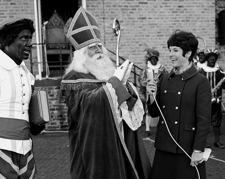Piet R. - November 1967; intocht Sint Nicolaas.<br /> Fotograaf; Harry Bedijs.<br /> Copyright; Stichting Foto Bedijs.