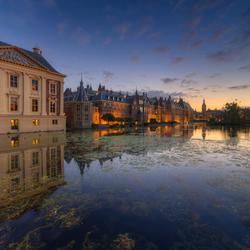 Mauritshuis en Binnenhof na zonsondergang