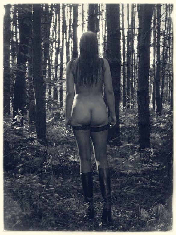 tussen de bomen valt het licht - outside shoot